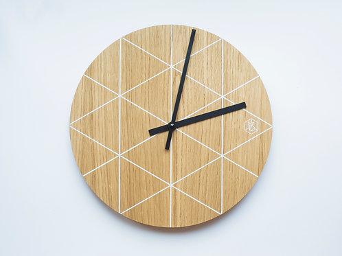Часы настенные.  4500 руб.