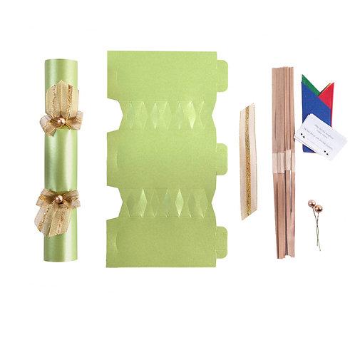 Avocado Green Wedding crackers - Pack of 12