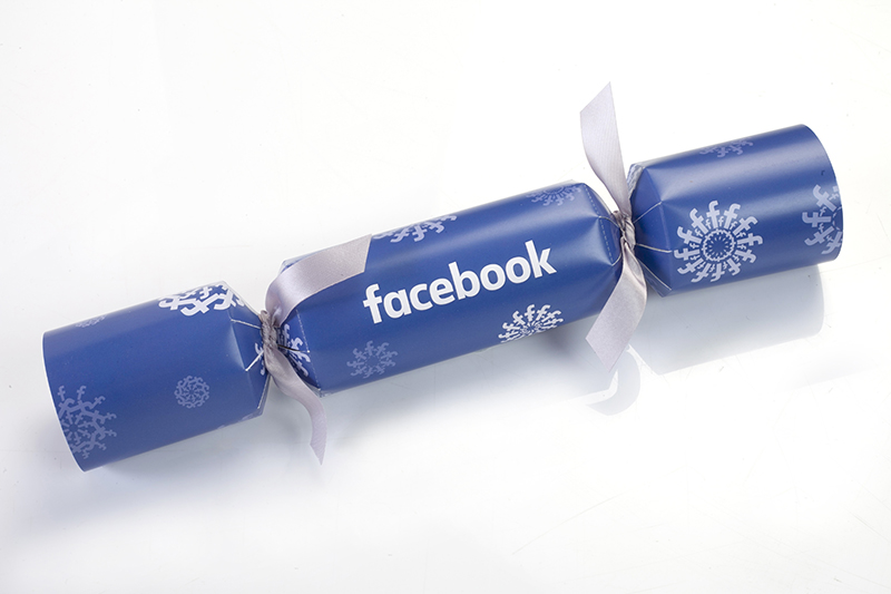 Facebook Blue Christmas Cracker