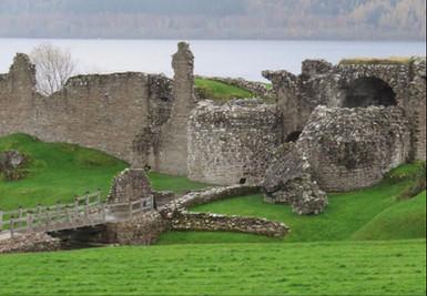 Urquhart castle Scotland.JPG