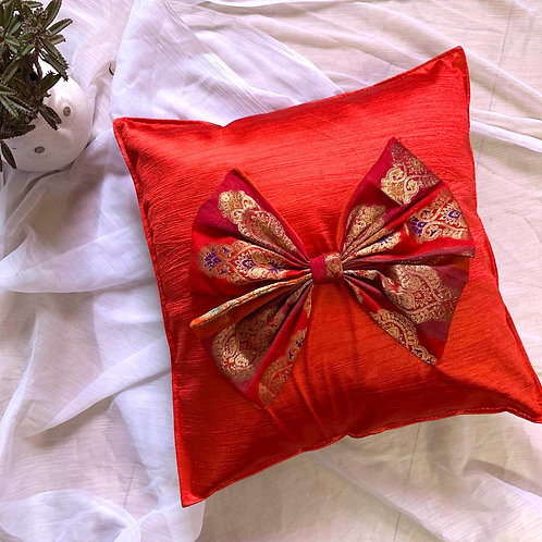 Lovely red bow Cushion covers