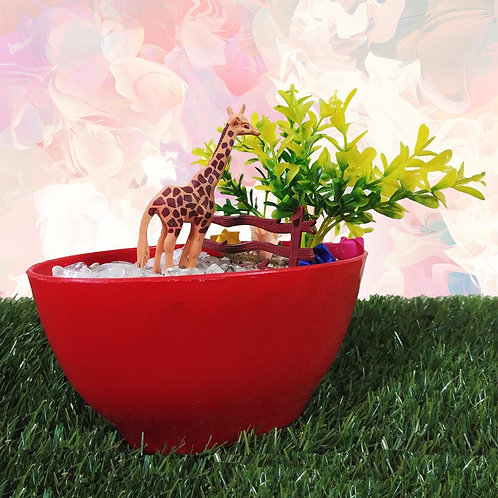 Gerry the Giraffe Miniature garden