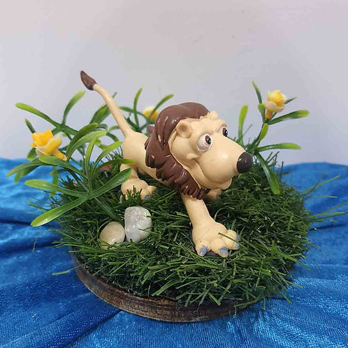 Jungle king miniature showpiece