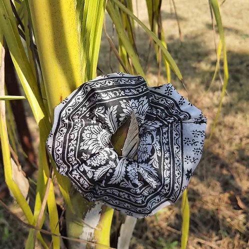 Printed retro silk scrunchie
