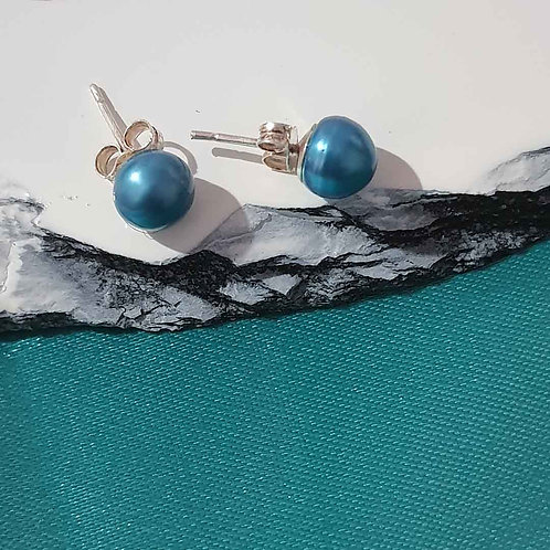 Blue colored pearl studs