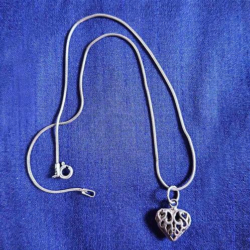 Cutwork designer silver heart pendant