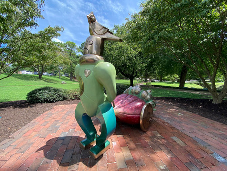 Triangle Arts and Culture League Gifts Sculpture to City of Williamsburg