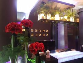 Arrangement floral hall d'hôtel