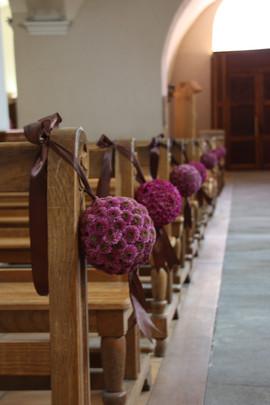Bouquets bancs église