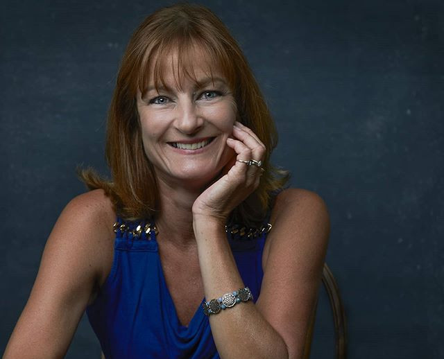 Great headshot for my mom by @normanjpho