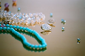 Free Designer Necklace Blue Pearl From Sistalk.co.uk