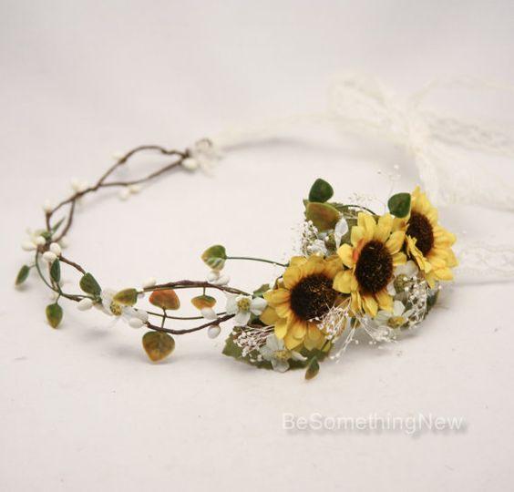 Matrimonio dolci come il miele: coroncina sposa con girasoli