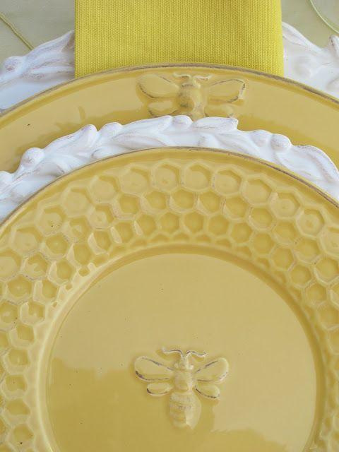 Matrimonio dolci come il miele: dettaglio piatto giallo