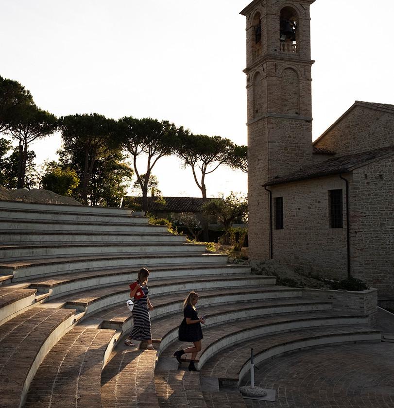 Villa Berloni anfiteatro chiesa