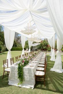 Tavola imperiale in giardino
