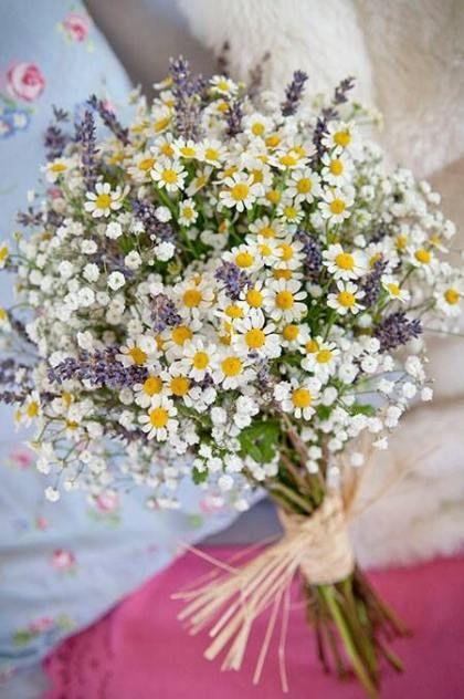 Matrimonio a tema margherite: bouquet margherita+lupino