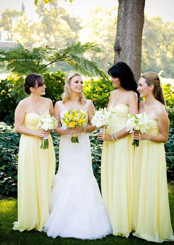 Matrimonio dolci come il miele:  damigelle in vestiti gialli