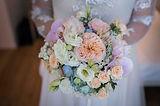 bouquet da sposa bianco rosa verde e pesca