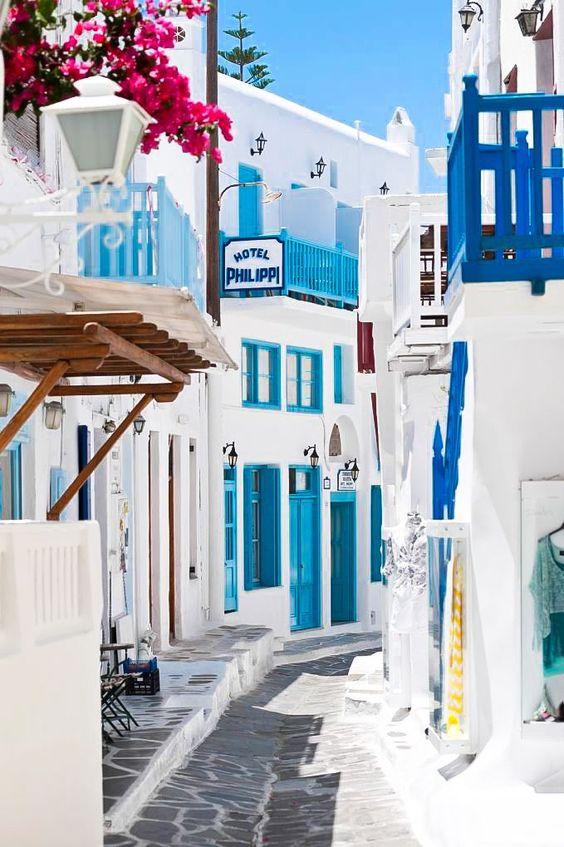 Consigli per la luna di miele perfetta: case bianche e blu a Santorini, Grecia