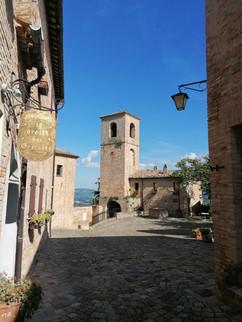 Montegridolfo Torre esterna