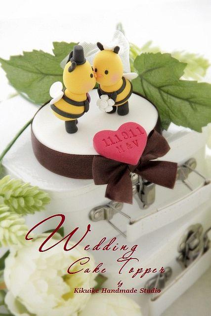Matrimonio dolci come il miele: torta con api che si baciano