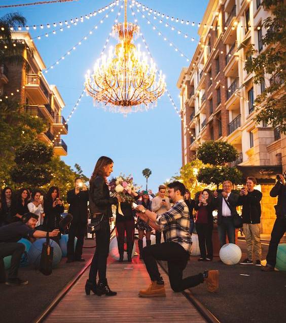 Proposta matrimoni in piazza