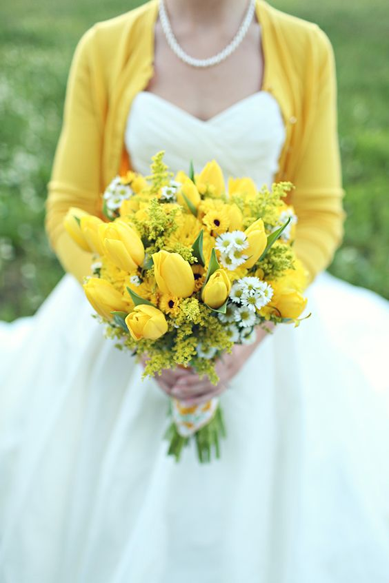 Matrimonio dolci come il miele: bouquet tulipani gialli