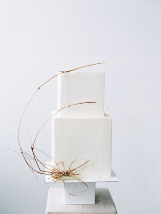 Matrimonio in stile minimal chic: wedding cake bianca 3D