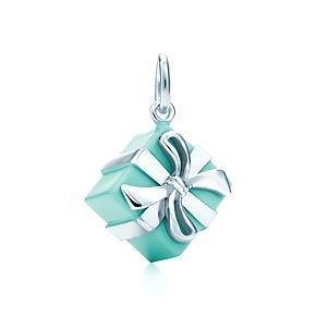 10 Idee regalo di Natale per la sposa: Ciondolo Tiffany