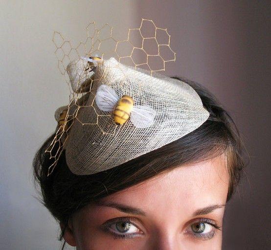 Matrimonio dolci come il miele:  copricapo sposa con ape