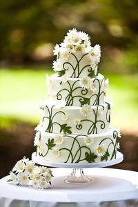 Matrimonio a tema margherite: pasta di zucchero con decor