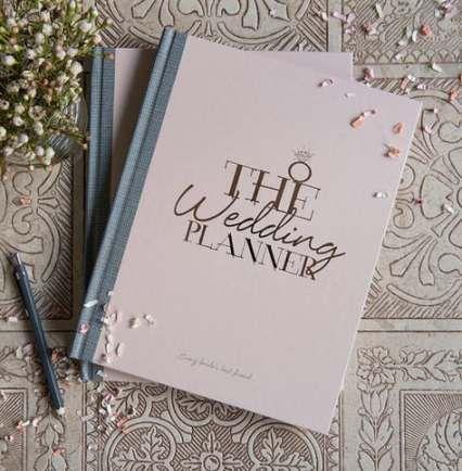 10 Idee regalo di Natale per la sposa: Wedding Planner Agenda