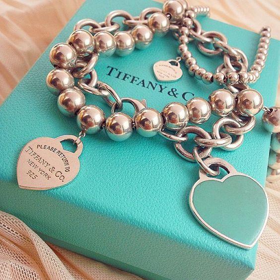 10 Idee regalo di Natale per la sposa: Bracciale Tiffany con pendenti