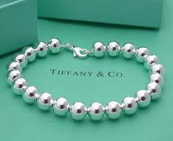 10 Idee regalo di Natale per la sposa: Bracciale Tiffany