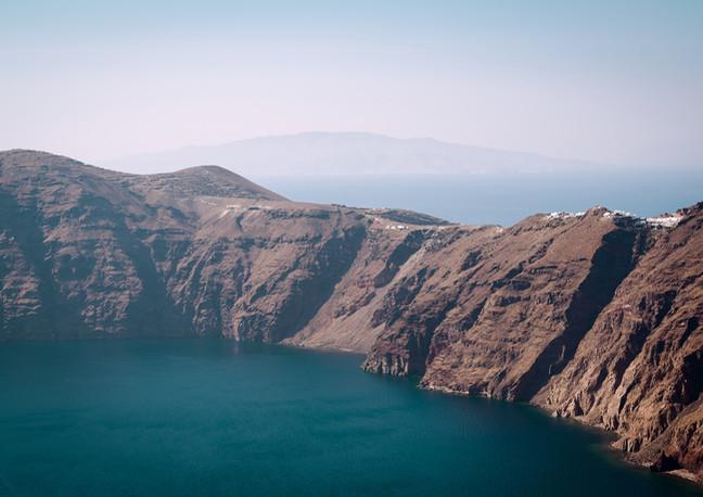 Matrimonio per pochi intimi a Santorini.jpg
