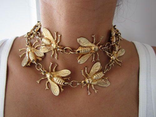 Matrimonio dolci come il miele: collana oro con api