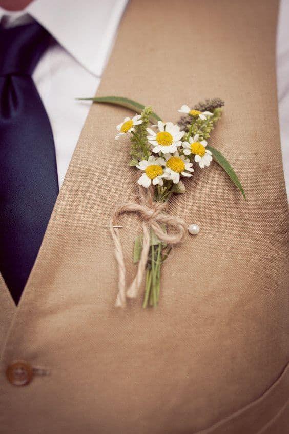 Matrimonio a tema margherite: bottoniera country