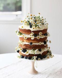 Matrimonio a tema margherite: naked cake more e margherite