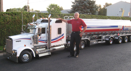 Mini-Camion Kenworth | Transport Jacques Auger inc.