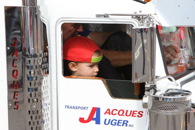 Kenworth Mini Truck | Transport Jacques Auger inc.