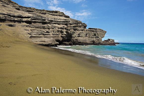 Papakolea (Green Sand Beach)