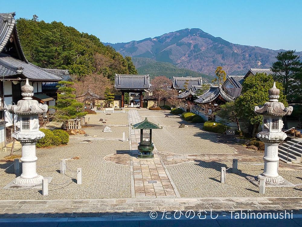 妙満寺と比叡山 / Myomanji and Mt. Hiei