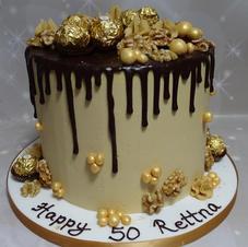 Nuts Drip cake