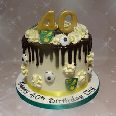 Football Themed Drip cake 3