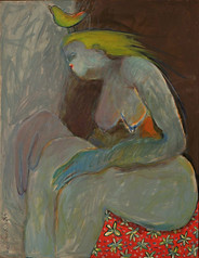 אישה עם ציפור על הראש