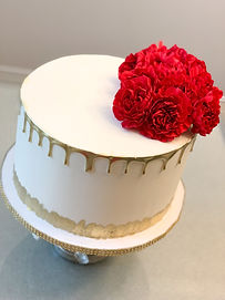 Classic wedding cake.JPEG