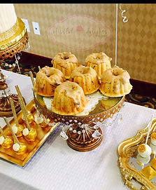 Mini bundt cakes_dessert table.PNG