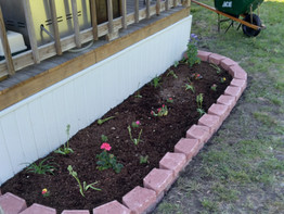 3 Tools To Build A Flower Bed With No Help