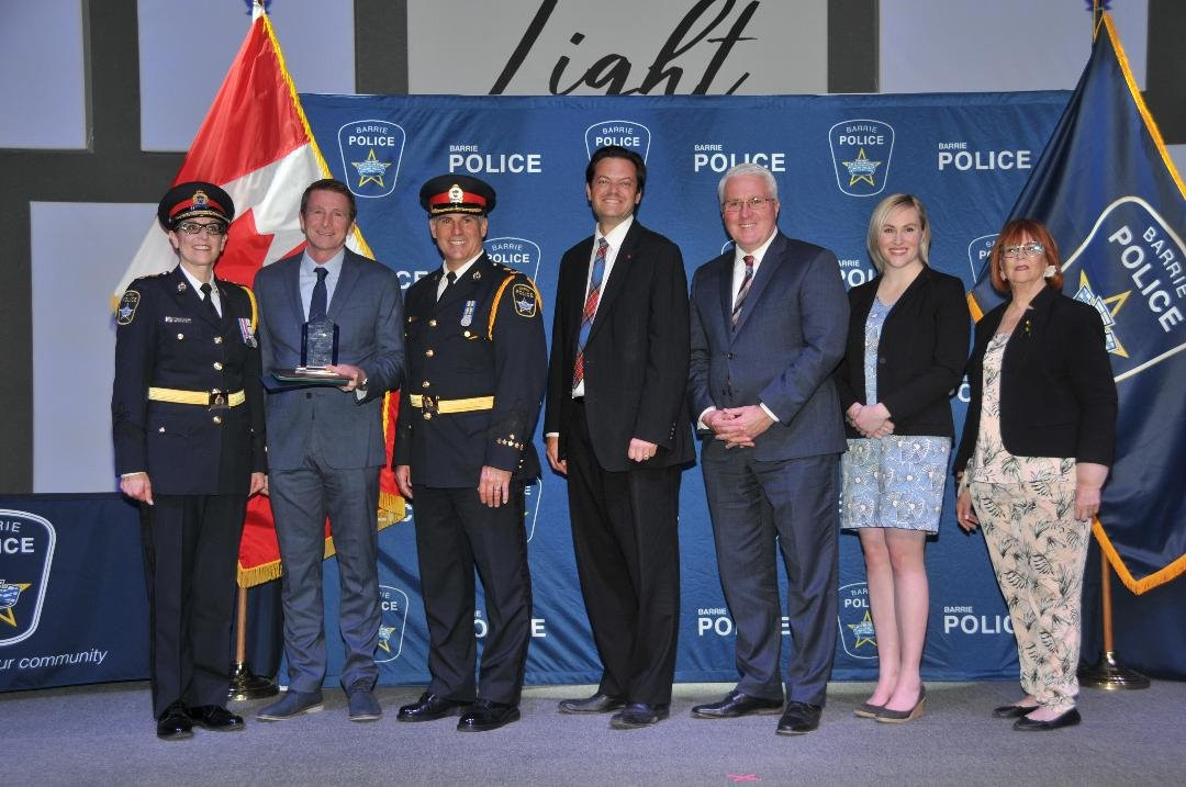 Receiving 2018 Chief of Police Award
