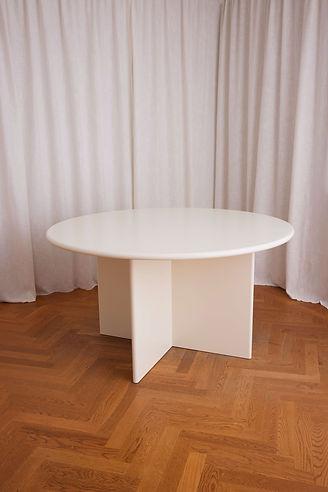 Round_WhiteT_087.jpg
